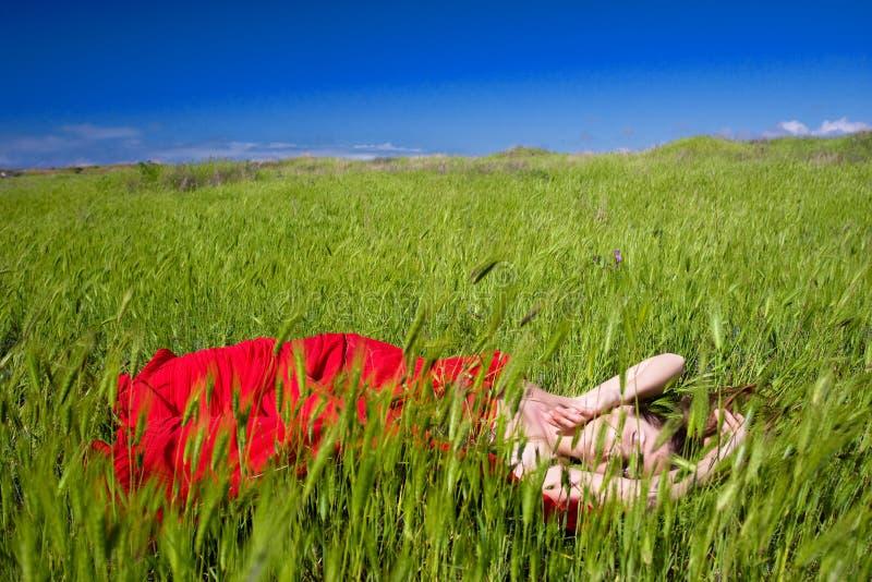 Download γυναίκα φύσης στοκ εικόνες. εικόνα από ύφασμα, εποχή - 13179800
