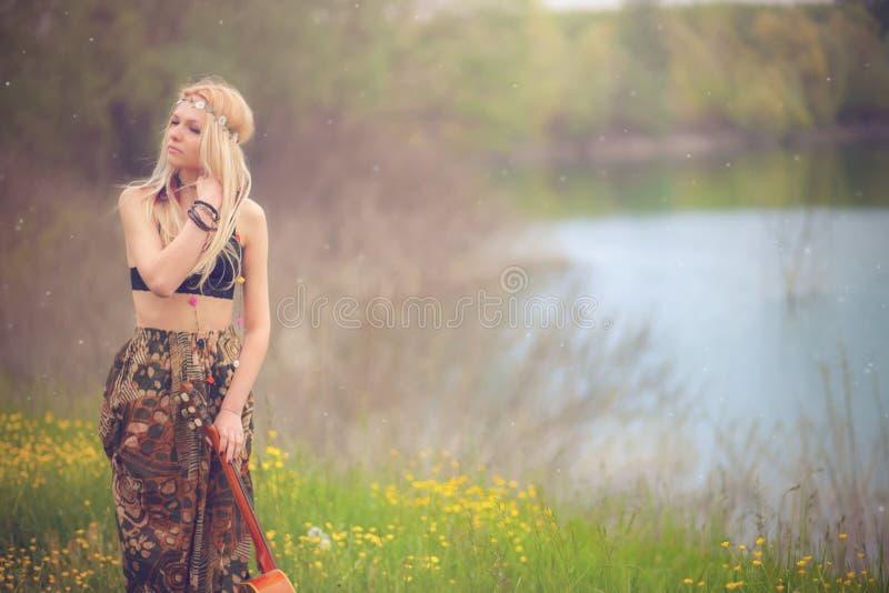 Γυναίκα χίπηδων στοκ εικόνα με δικαίωμα ελεύθερης χρήσης