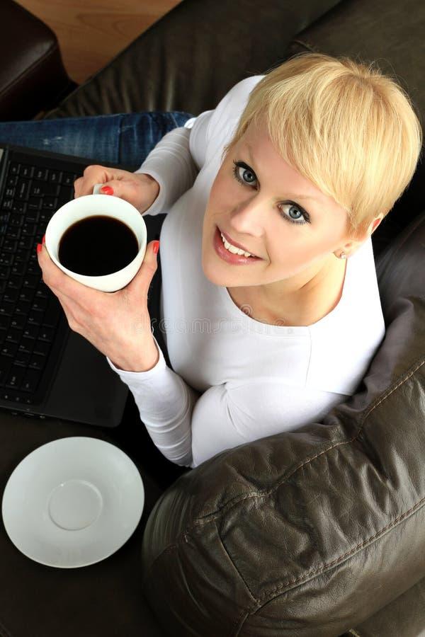 γυναίκα lap-top στοκ φωτογραφία