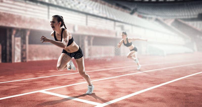 Γυναίκα sprinter στη δράση στο στάδιο στοκ φωτογραφία με δικαίωμα ελεύθερης χρήσης