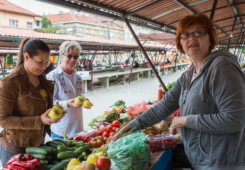 Γυναίκες στην αγορά στοκ εικόνες