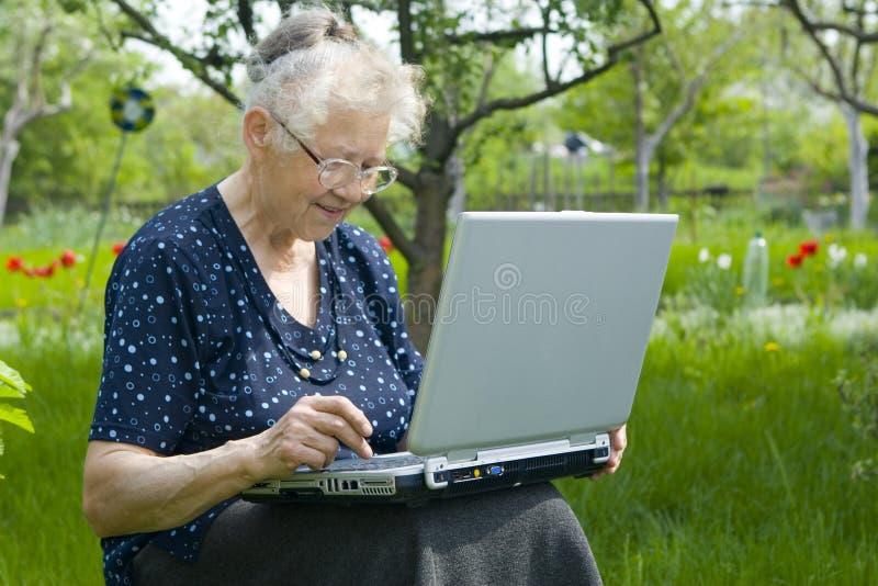 γυναίκες υπολογιστών στοκ φωτογραφία