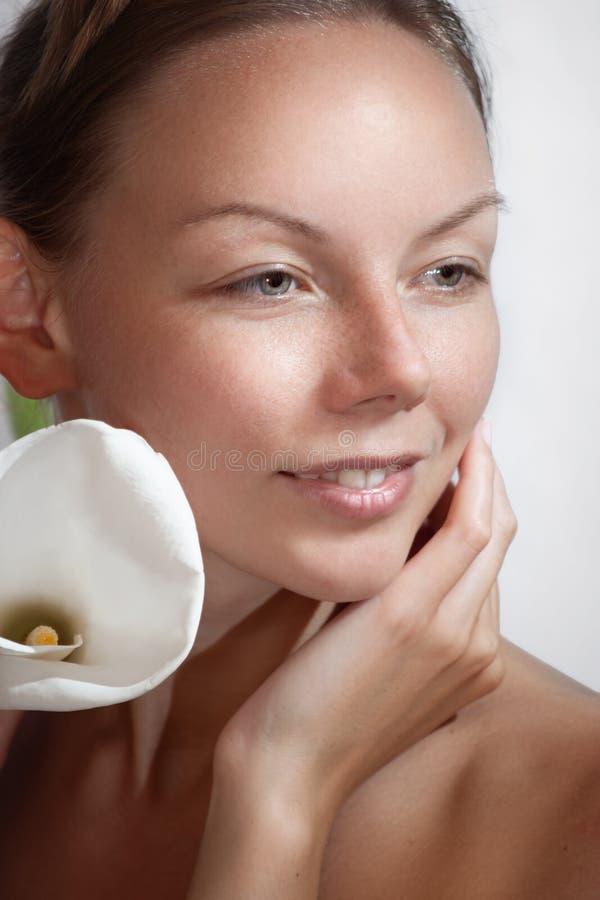 γυναικείος κρίνος όμορφ&om στοκ εικόνες