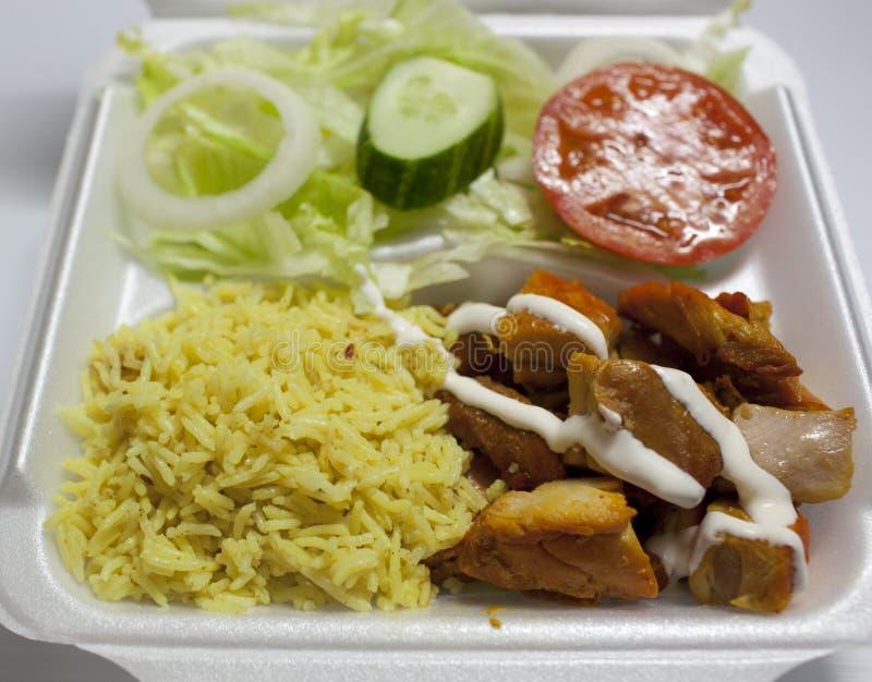 Γυροσκόπιο κοτόπουλου πέρα από το ρύζι στοκ φωτογραφίες με δικαίωμα ελεύθερης χρήσης