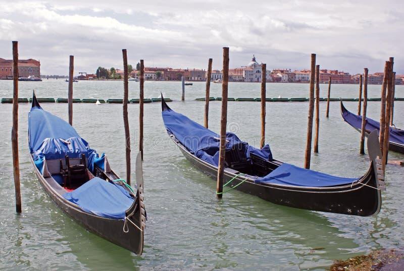 γόνδολα δίδυμη Βενετία στοκ εικόνες