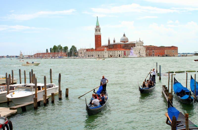 Γύρος γονδολών στη Βενετία στοκ φωτογραφία