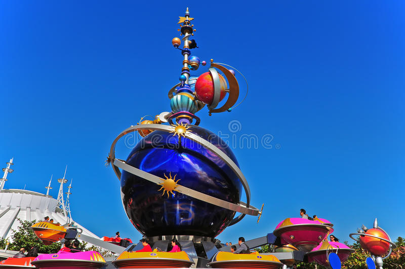γύρος διασκέδασης Disneyland tomorrowland στοκ εικόνες