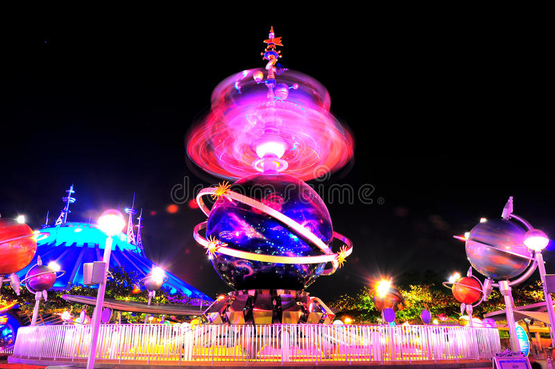 γύρος διασκέδασης Disneyland tomorrowland στοκ φωτογραφία με δικαίωμα ελεύθερης χρήσης