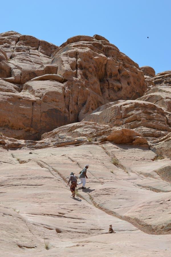 Γύρος ερήμων μέσω των αμμόλοφων άμμου της αγριότητας ρουμιού Wadi, Ιορδανία, Μέση Ανατολή, πεζοπορία, αναρρίχηση, οδήγηση στοκ φωτογραφίες