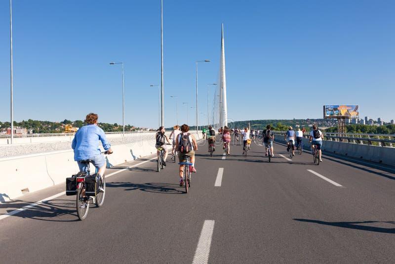 Γύρος διαμαρτυρίας των ποδηλατών μέσω των οδών Βελιγραδι'ου 5 στοκ φωτογραφία με δικαίωμα ελεύθερης χρήσης