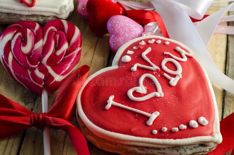 Γλυκά με μορφή μιας καρδιάς στοκ εικόνες με δικαίωμα ελεύθερης χρήσης