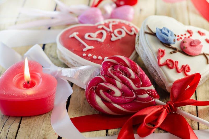 Γλυκά με μορφή μιας καρδιάς στοκ φωτογραφία με δικαίωμα ελεύθερης χρήσης