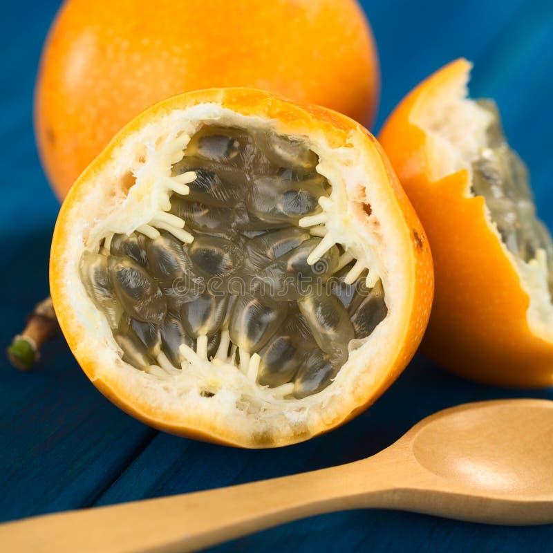 Γλυκά Granadilla ή φρούτα Grenadia στοκ εικόνα