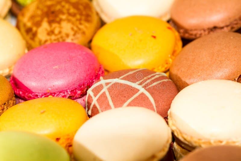 Γλυκές πραλίνες Macarons στοκ εικόνες