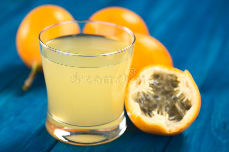 Γλυκός Granadilla ή χυμός φρούτων Grenadia στοκ φωτογραφίες