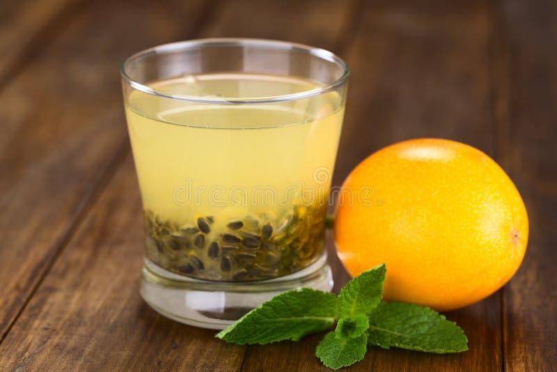 Γλυκός Granadilla χυμός στοκ εικόνα με δικαίωμα ελεύθερης χρήσης