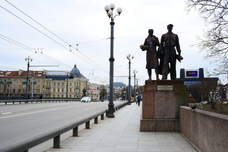 Γλυπτά στην πράσινη γέφυρα που αντιπροσωπεύει τη σοβιετική τέχνη στοκ εικόνες
