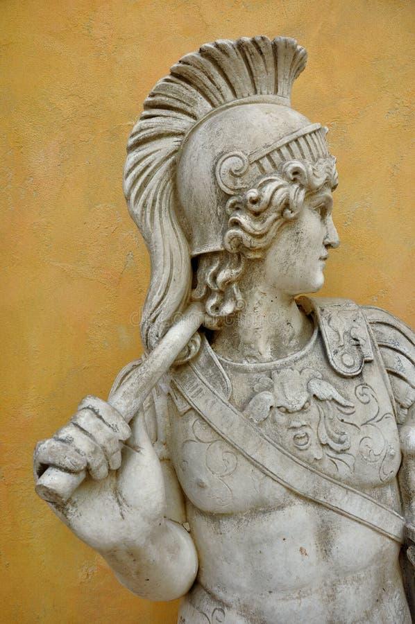 Γλυπτό του ρωμαϊκού στρατιώτη στοκ φωτογραφία με δικαίωμα ελεύθερης χρήσης