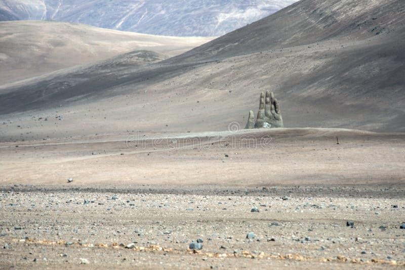Γλυπτό χεριών, έρημος Atacama, Χιλή στοκ φωτογραφία