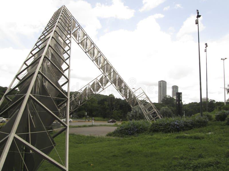Γλυπτό Abra ο ηλιακός Alejandro Otero Plaza Βενεζουέλα της Βενεζουέλας Καράκας στοκ εικόνες με δικαίωμα ελεύθερης χρήσης