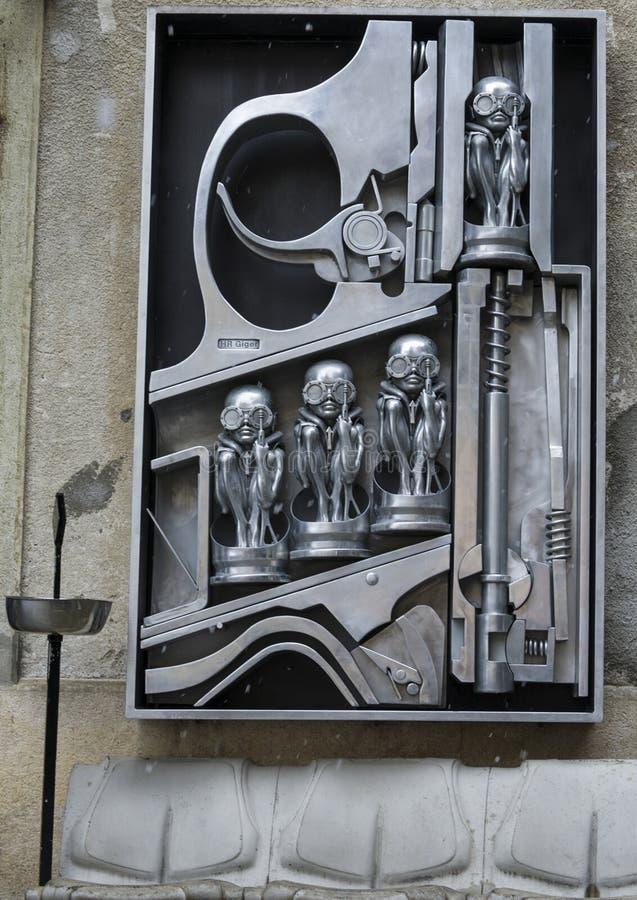Γλυπτό BirthMachine στο μέτωπο του Χ ρ Μουσείο Giger στοκ φωτογραφία με δικαίωμα ελεύθερης χρήσης