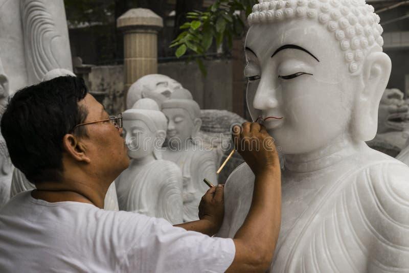 Γλύπτης στο Μιανμάρ στοκ φωτογραφίες