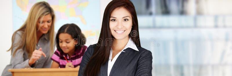 Δάσκαλος και σπουδαστές στοκ φωτογραφία με δικαίωμα ελεύθερης χρήσης