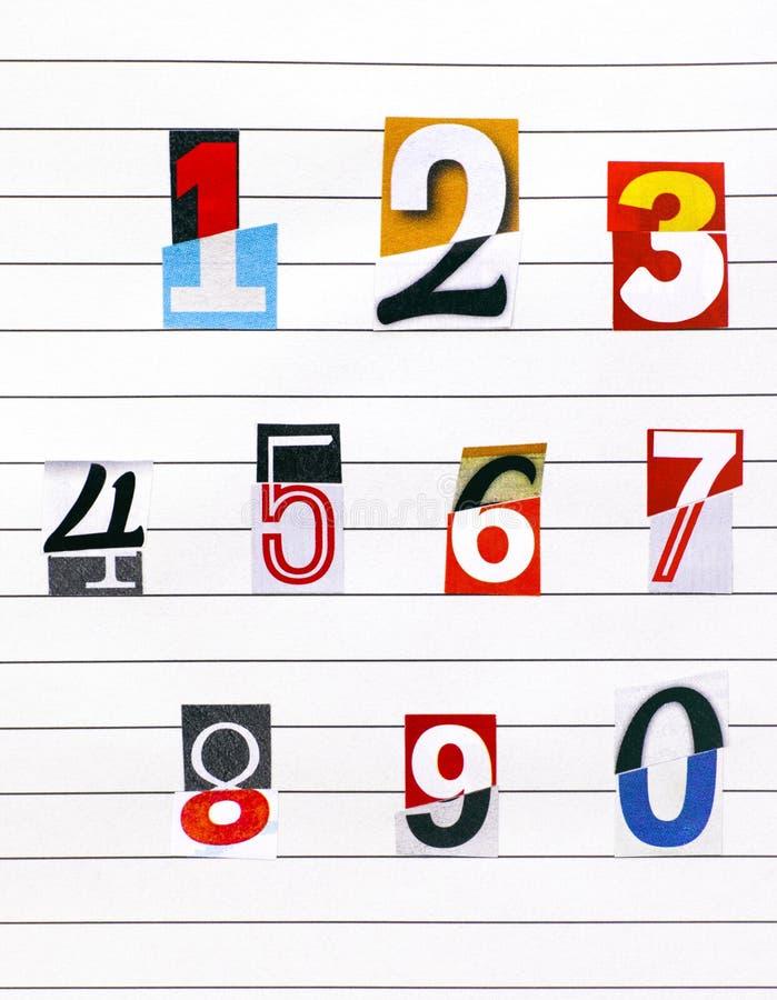 Δέκα αριθμοί που γίνονται από τους μισούς αριθμούς που κόβουν από τα περιοδικά στο lin στοκ φωτογραφία με δικαίωμα ελεύθερης χρήσης