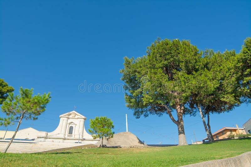Δέντρα στην πλατεία Bonaria στοκ εικόνες