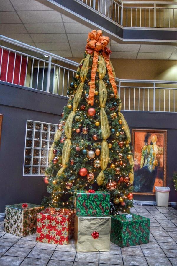 Δέντρο διακοπών Χριστουγέννων στοκ φωτογραφία με δικαίωμα ελεύθερης χρήσης