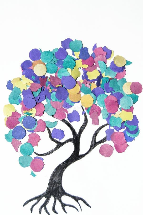 Δέντρο κινούμενων σχεδίων με το ζωηρόχρωμο κομφετί στοκ φωτογραφίες με δικαίωμα ελεύθερης χρήσης