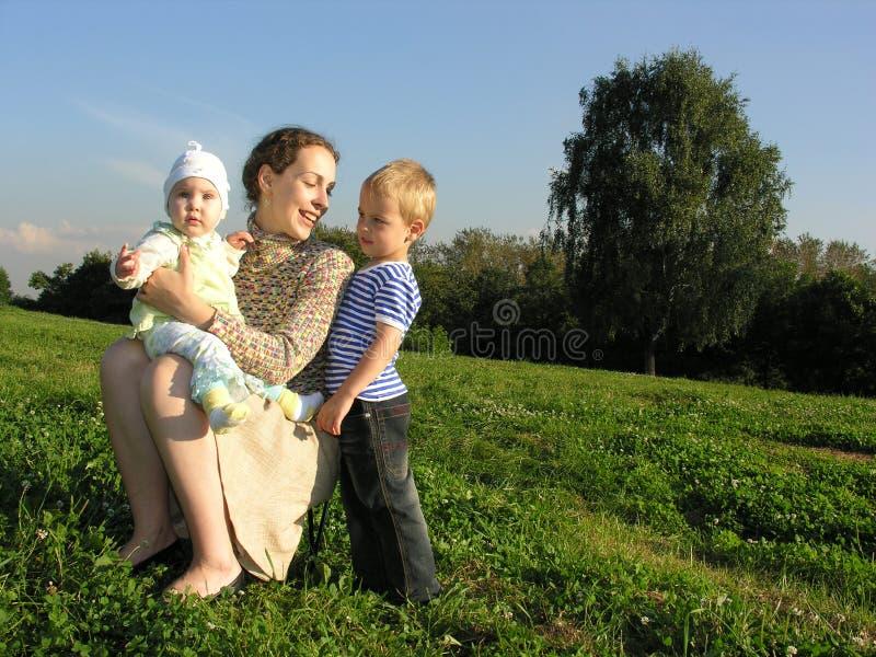 δέντρο μητέρων παιδιών στοκ φωτογραφία