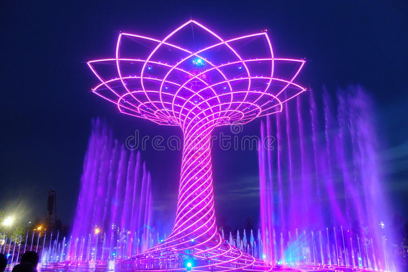 Δέντρο του Μιλάνου EXPO της ζωής στοκ εικόνες