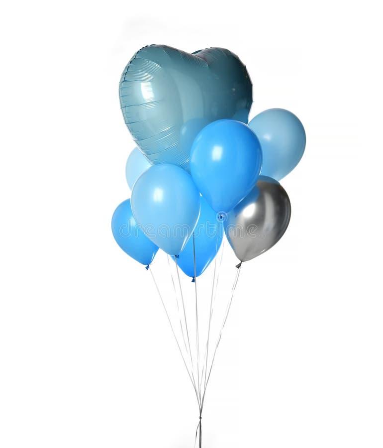 Δέσμη του μεγάλου μπλε αντικειμένου μπαλονιών για τη γιορτή γενεθλίων που απομονώνεται σε ένα λευκό στοκ φωτογραφίες