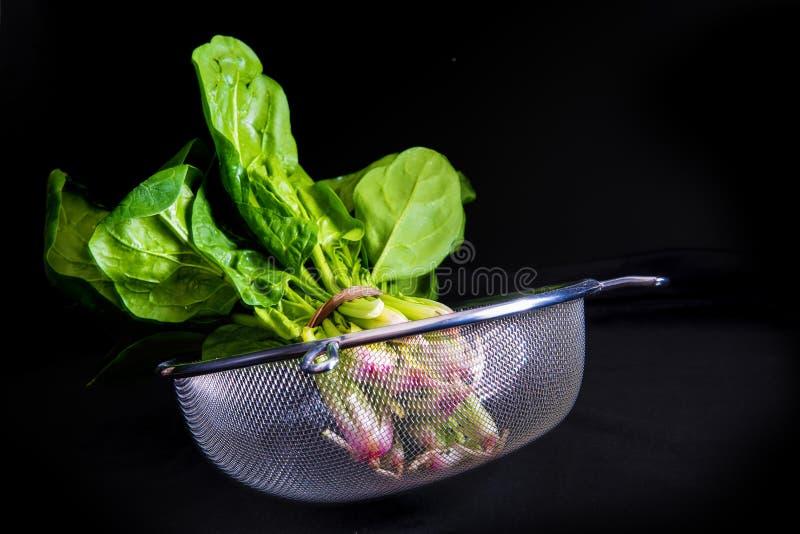 Download Δέσμη του φρέσκου σπανακιού Στοκ Εικόνες - εικόνα από φυτό, ανασκόπησης: 62705682