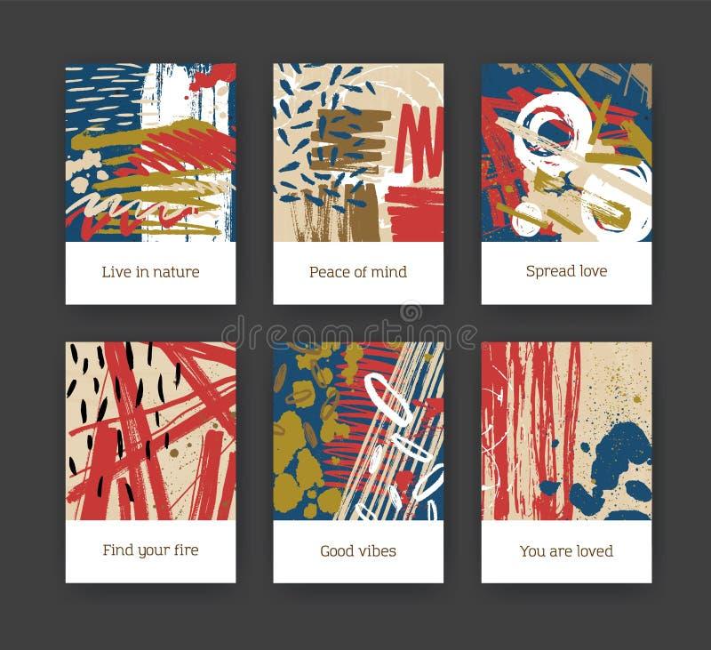 Δέσμη των προτύπων ιπτάμενων ή καρτών με τις αφηρημένες συρμένες χέρι συστάσεις με τους ζωηρόχρωμους λεκέδες χρωμάτων, κτυπήματα  απεικόνιση αποθεμάτων