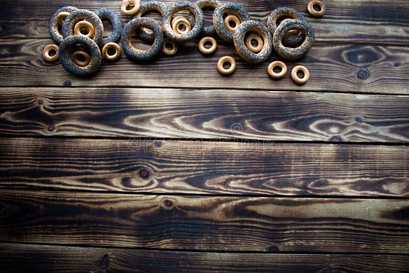 Δέσμη bagels με τους σπόρους παπαρουνών στοκ φωτογραφία