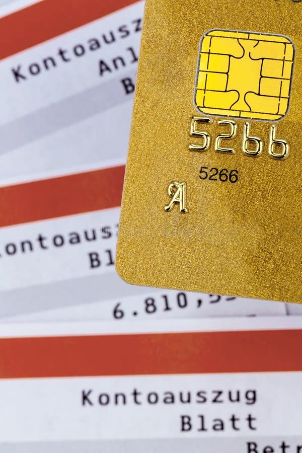 Δήλωση πιστωτικών καρτών και τραπεζών στοκ φωτογραφία