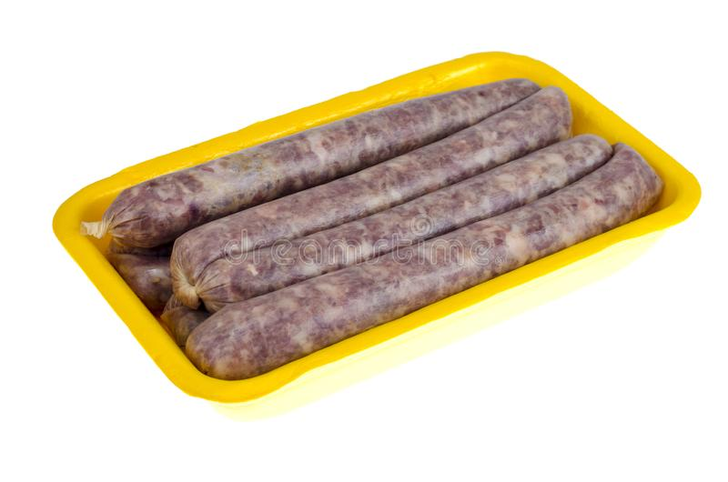 Δίσκος με το ακατέργαστο σπιτικό λουκάνικο χοιρινού κρέατος στοκ φωτογραφίες