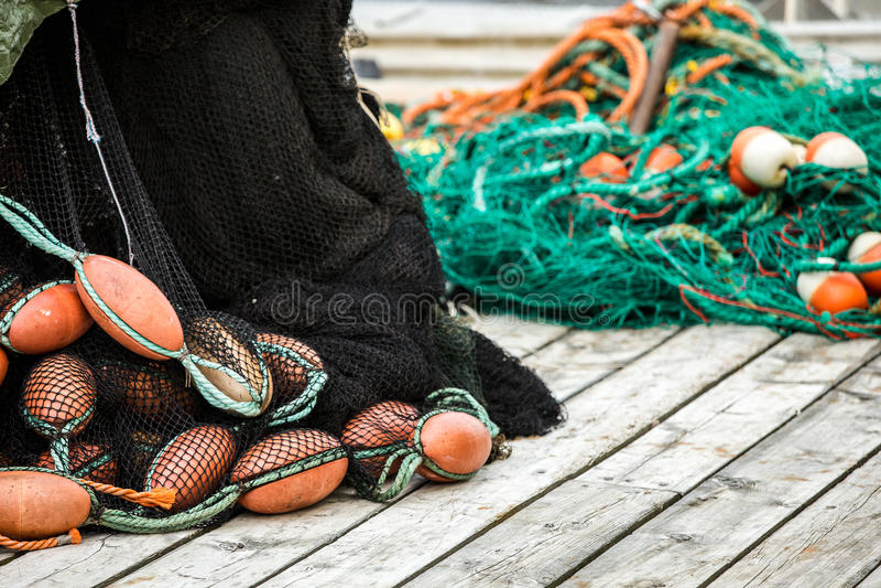 Δίχτια του ψαρέματος και επιπλέοντα σώματα στοκ εικόνα με δικαίωμα ελεύθερης χρήσης