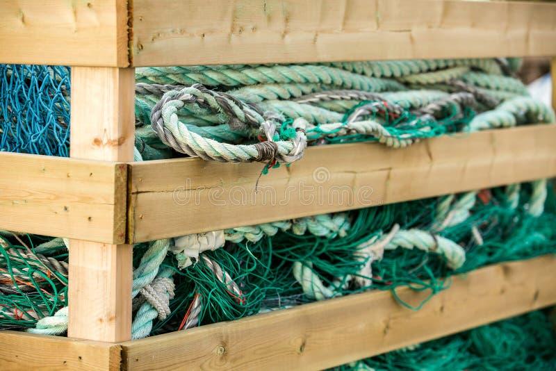 Δίχτια του ψαρέματος και επιπλέοντα σώματα στοκ εικόνες