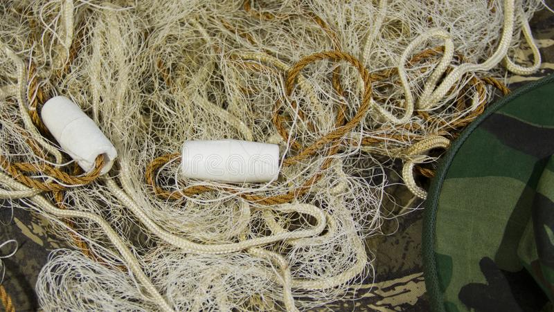 Δίχτυ του ψαρέματος με τα επιπλέοντα σώματα στοκ εικόνες