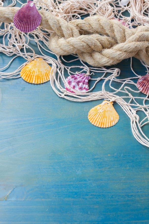 Δίχτυ του ψαρέματος στο ξύλινο υπόβαθρο στοκ φωτογραφίες με δικαίωμα ελεύθερης χρήσης