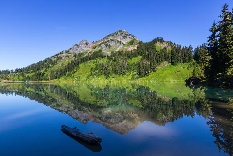Δίδυμη λίμνη στοκ εικόνες