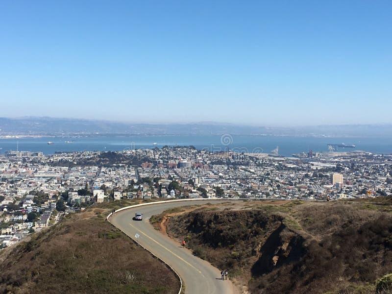 Δίδυμη αιχμή στο ασβέστιο του Σαν Φρανσίσκο στοκ εικόνα με δικαίωμα ελεύθερης χρήσης