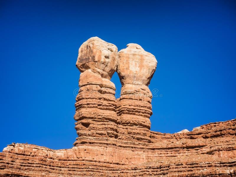 Δίδυμοι βράχοι στην πόλη του Bluff, Γιούτα στοκ εικόνα με δικαίωμα ελεύθερης χρήσης