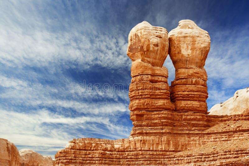 Δίδυμοι βράχοι στο μπλε ουρανό του Utah στοκ εικόνα