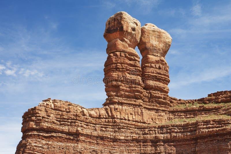 Δίδυμοι βράχοι στο Bluff, Γιούτα στοκ εικόνα
