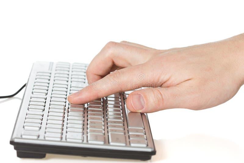 Δακτυλογράφηση χεριών στο πληκτρολόγιο υπολογιστών στοκ εικόνα με δικαίωμα ελεύθερης χρήσης