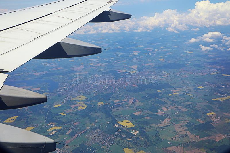 Δανική επαρχία με το καλλιεργημένο έδαφος, από τα αεροσκάφη στοκ εικόνα